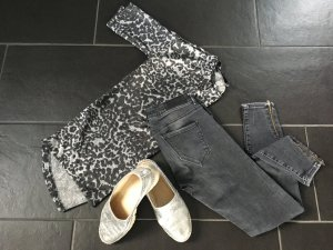 H&M Shirt Sweatshirt Leo Frau Gr. 40