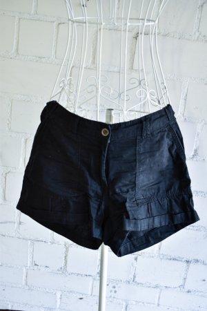 H&M Shorts in schwarz