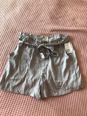 H&M High-Waist-Shorts silver-colored