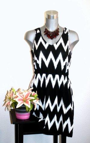 H&M Sommer Kleid gr. 38/40 Aztek Muster Schwarz / Weiß