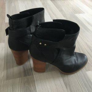 H&M Stiefelette schwarz mit Holzabsatz Blockabsatz Bootie