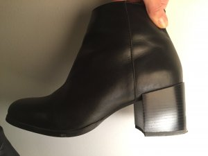H&M Stiefeletten aus echtem Leder