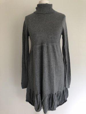 H&M Robe en maille tricotées gris rayonne