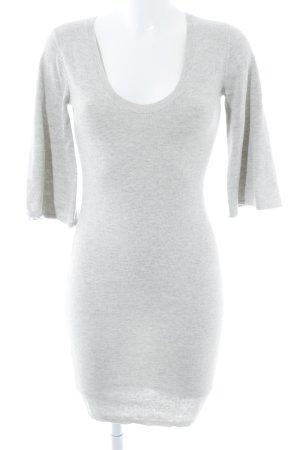 H&M Vestido tejido gris claro look casual