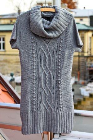 H&M Strickkleid mit Wasserfallkragen