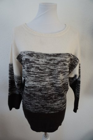 H&M Knitted Sweater black-white