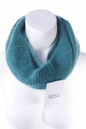 H & M knitted scarf green gradient