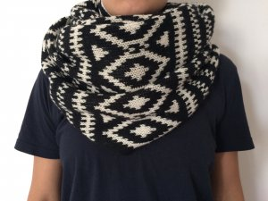 H&M Knitted Scarf black-white