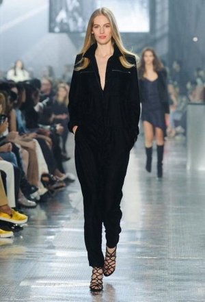 H&M Studio Collection Samt Overall Jumpsuit Trend Velvet Blogger Oversize