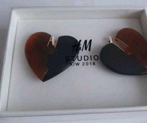 H&M Studio Clou d'oreille multicolore