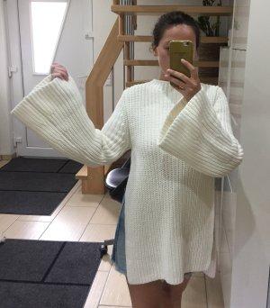 H&M Studio S/S 2018 Pullover mit Seitenschlitzen und Statement Sleeves