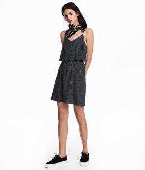 H&M Divided Vestido estilo flounce azul oscuro-blanco