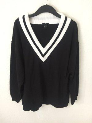H&M Sweatshirt mit V- Ausschnitt