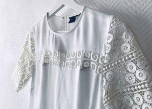 H&M - T-Shirt mit Häkelspitze Gr. 38