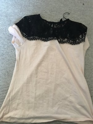 H&M T-Shirt mit spitze auf den Schultern