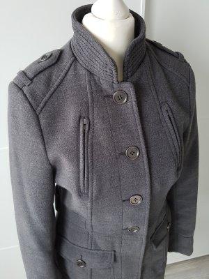 H&M taillierter Mantel, grau, Gr.34, zum Knöpfen
