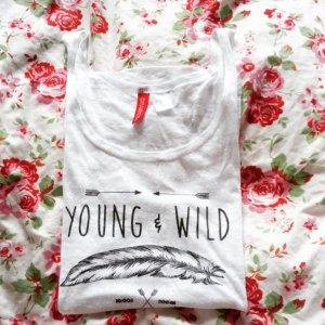 H&M Top ~ YOUNG & WILD