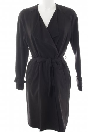 H&M Trenchcoat schwarz Street-Fashion-Look
