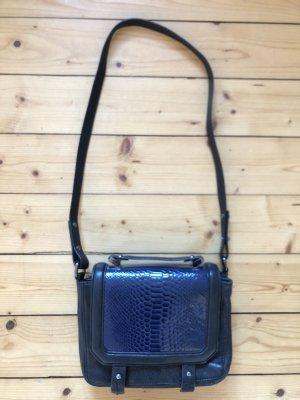 H&M Trend Premium Handtasche crossbody boy bag schwarz blau Leder Reptil