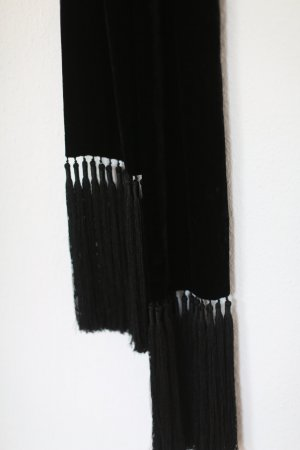 H&M Trend Schal Scarf Samt in schwarz mit Fransen Glam Vintage Look