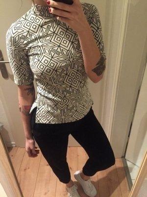 H&M Trend Shirt Top mit Muster Rollkragen neu!