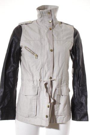 H&M Übergangsjacke creme-schwarz Street-Fashion-Look