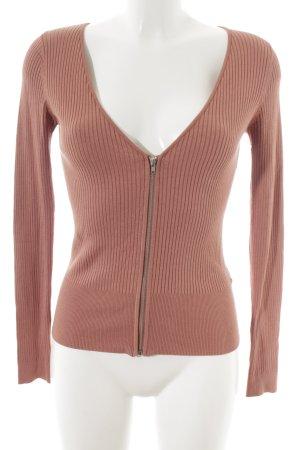 H&M V-Ausschnitt-Pullover altrosa Street-Fashion-Look