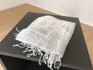 H&M weißer Schal mit silbernen Zierfäden
