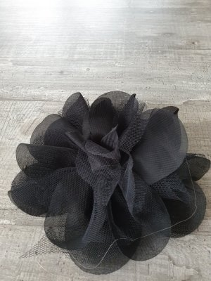 Headdress black