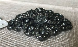 Bijou Brigitte Hair Clip black-silver-colored