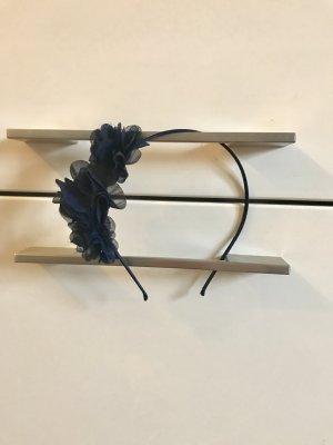 Haarreif dunkelblau mit Blumen asymmetrisch schlicht