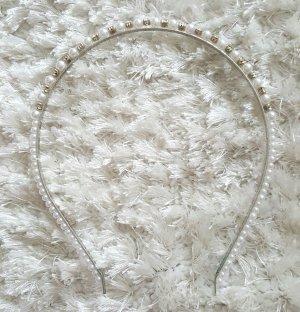 Haarreif mit Perlen und Steinchen
