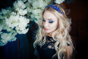 Accessorio per capelli blu