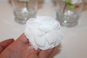 Haarschmuck weiße Blume / Hochzeit / Abiball / besonderer Anlass