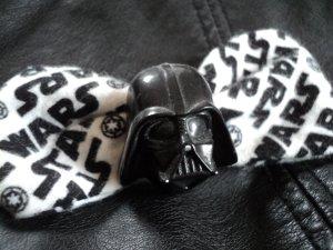 """Haarspange """"Darth Vader"""" mit Stoffschleife AOP"""