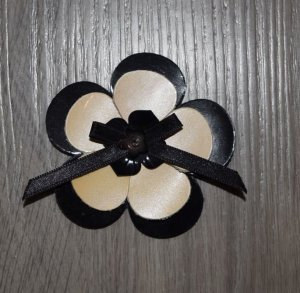 Hair Clip black-cream leather