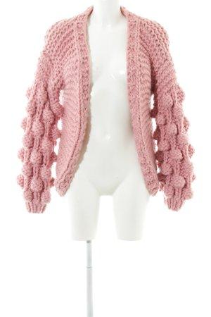 Cárdigan de ganchillo rosa estilo extravagante