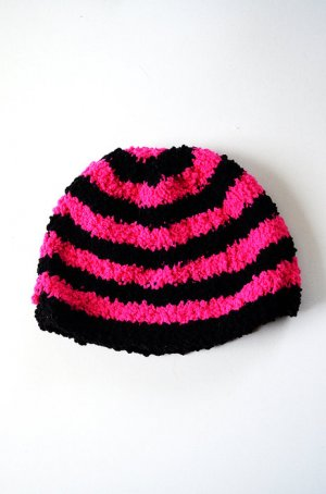 Bonnet en crochet multicolore laine