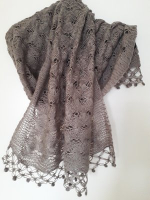 Gehaakte sjaal grijs-bruin