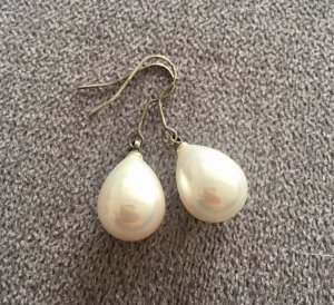 Hängende Perlen