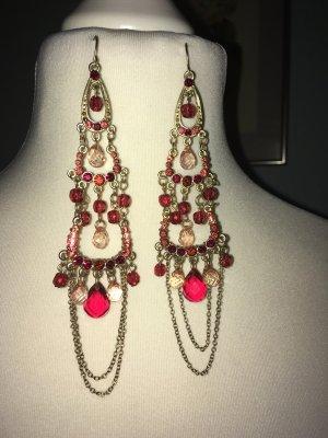 Hängende rote Ohrringe