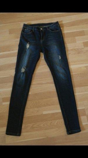 Hailys strech Jeans mit Löcher gr. L