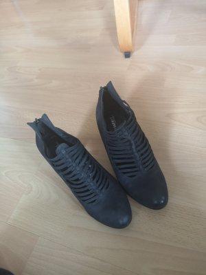 halb offener Schuh