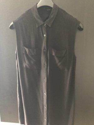 Halb schwarze Bluse mit rückebauschnitt