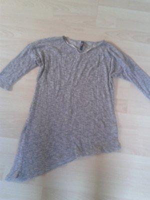 Halbarm Shirt mit Seitlichen Schlitz
