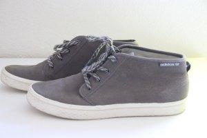 halbhohe ADIDAS Schuhe in grau *wie NEU*