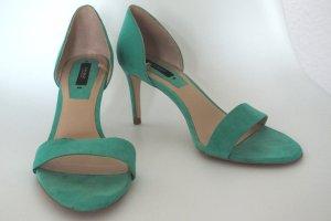 Halbhohe Heels/Pumps mit 8cm Absatz in kräftigem grün/türkis/mint