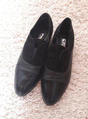Tamaris Cap Toes black leather