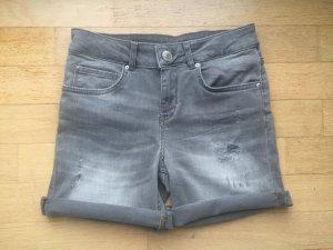 Hallhuber Damen Jeans-Shorts Gr. 34, used look, hellgrau