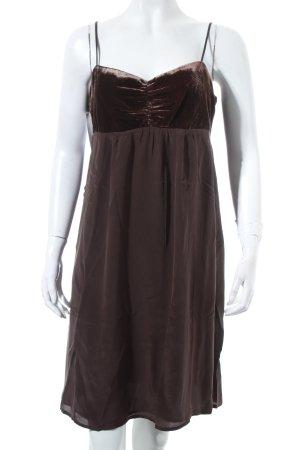 Hallhuber Donna Robe Babydoll brun foncé style festif